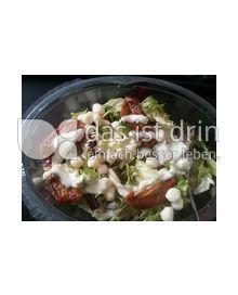 Produktabbildung: Saladinettes Salat & Pasta, Tomate & Mozzarella mit Dill-Senf Dressing. 350 g